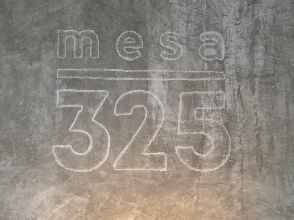 Mesa 325 | Cafetaria | Porto | Carapaus de Comida
