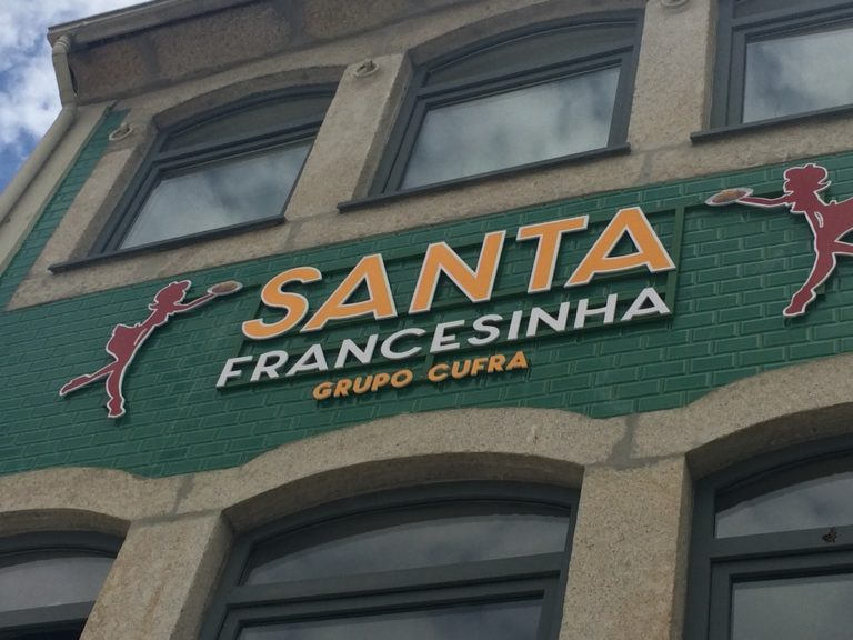 Santa Francesinha | Cufra | Porto