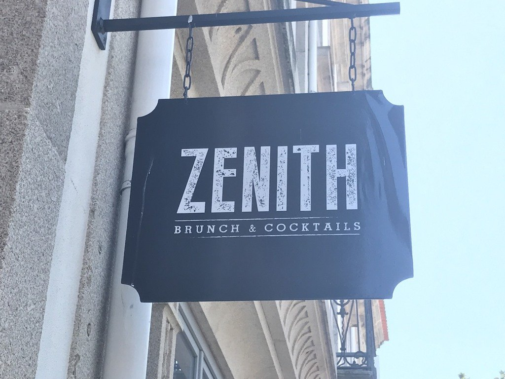 Zenith Brunch & Cocktail Bar | Porto | Carapaus de Comida